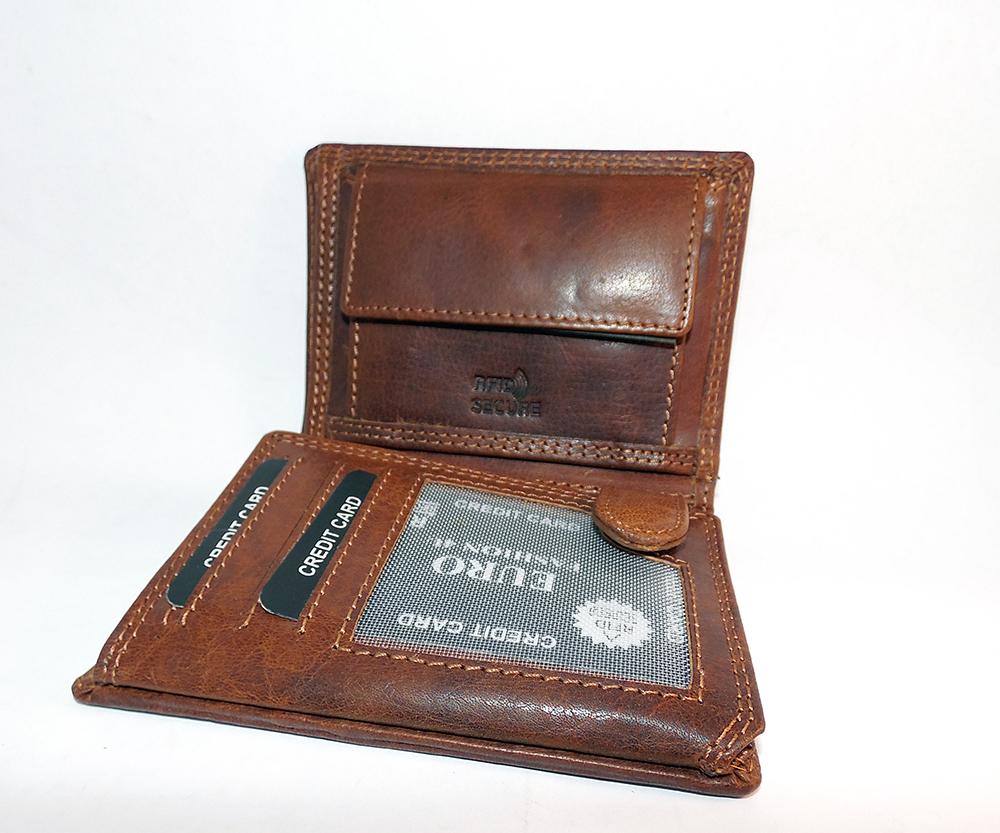 kožená peněženka s monogramem