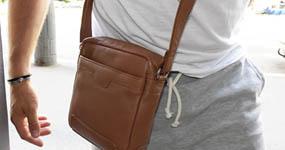Crossbody kabelky z PRAVÉ KŮŽE pro muže i ženy
